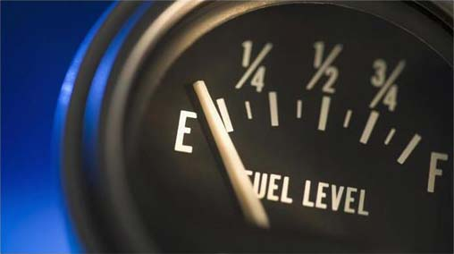 10 reasons NOT to drive on an empty tank of fuel